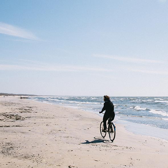 Fahrradfahren am ostfriesischen Nordseestrand